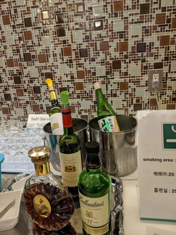 成田国際空港 KALビジネスラウンジ お酒