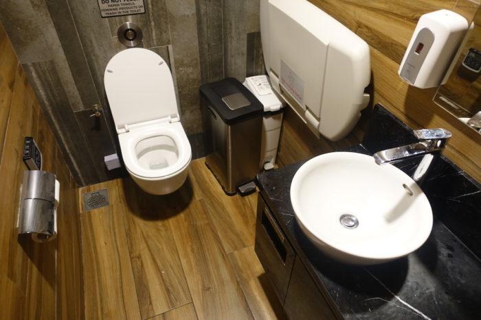 SATSプレミアラウンジ トイレ
