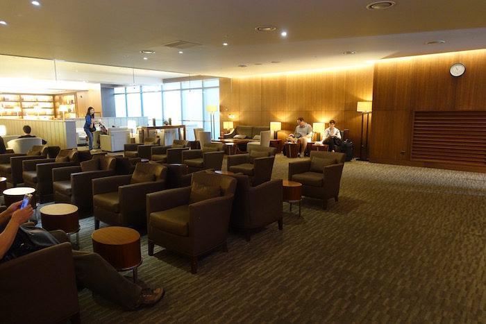 韓国ソウル 仁川国際空港 アシアナビジネスラウンジ ソファ