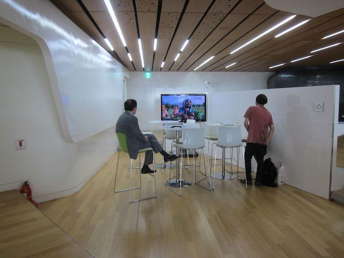 韓国ソウル 仁川国際空港 KALラウンジ TVルーム